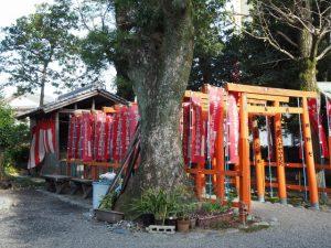 三吉稲荷神社、世木神社(伊勢市吹上)
