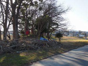 宮川浅間堤付近には今も昨秋の台風21号による残骸