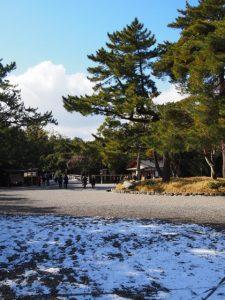 外宮(雪の名残を求めて)