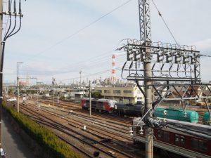 跨線橋から望むJR貨物 塩浜駅