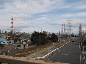 県道629号 宝町の歩道橋からの風景