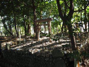離宮院公園内の遙拝所(伊勢市小俣町本町)