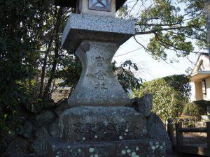 官舎神社の参道入口付近(伊勢市小俣町本町)