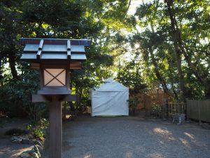 船江上社の拝殿前から望む河原淵神社(豊受大神宮 摂社)方向