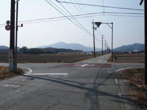 玉城町山岡の交差点