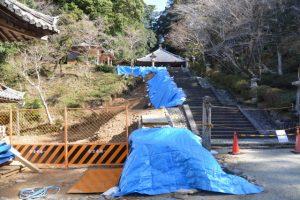 2017年の台風21号により倒壊した回廊跡、丹生山神宮寺(多気郡多気町丹生)