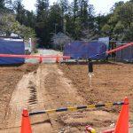 修復工事のために解体された丹生山神宮寺の山門(仁王門)