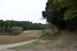 津布良神社(皇大神宮 末社)付近のため池方向へ