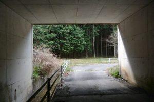 伊勢自動車道 勢和多気36トンネルから泉貢池へ(度会郡玉城町積良)
