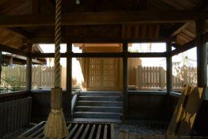 拝殿にて、世木神社(伊勢市吹上)