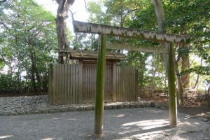 河原神社(豊受大神宮 摂社)、毛理神社(同末社)を同座