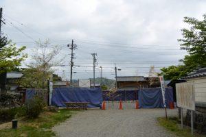 地鎮祭を終えていた仁王門の修復工事、丹生山神宮寺(多気郡多気町丹生)