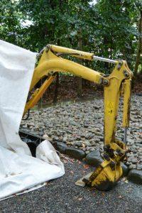 河原神社(豊受大神宮 摂社)に置かれていた小型重機
