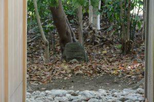 仮殿が建てられた古殿地に置かれていたあの石は、河原神社(豊受大神宮 摂社)