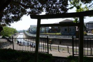 離宮院公園を抜けて汁谷川左岸へ