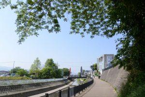汁谷川左岸(離宮院公園付近)