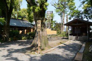 未だ鳥居が建てられていない三吉稲荷神社、世木神社(伊勢市吹上)