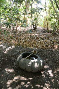 河原神社(豊受大神宮 摂社)の手水石