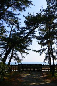 二見浦海岸側の出入口、御塩殿神社(皇大神宮 所管社)