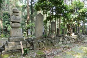 梅香寺歴代住職の墓地