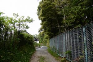 梅香寺旧跡の石碑付近〜宇治山田高校テニスコート付近