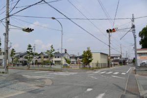 西口公園の交差点(天神丘トンネル付近)