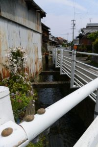清川の流れ(伊勢市二俣)