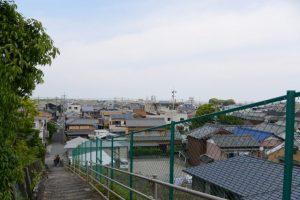 伊勢市浦口と二俣の境界にある階段からの眺め