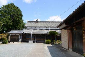 光安寺と保津集会所(松阪市保津町)