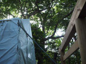 簀屋根が掛けられた河原神社(豊受大神宮 摂社)