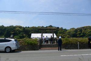 神田御田植初にて神宮神田から大土御祖神社への移動