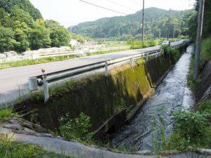 南家城川口井頭首工(雲出川)から取水された水路