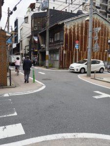 六角通と高倉通の変則な交差点(D→E)