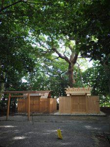 大修繕を終え簀屋根が取り外された河原神社(豊受大神宮 摂社)