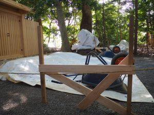 鳥居を建てる準備、河原神社(豊受大神宮 摂社)