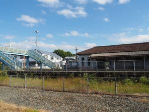 JR参宮線 山田上口駅の北側から望む草奈伎神社の社叢