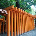 ブルーシートが取り外されていた吉王稲荷神社の参道鳥居(伊勢市船江)