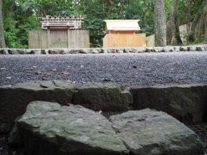 雨儀廊のテントが建てられる前の御塩殿神社(皇大神宮 所管社)