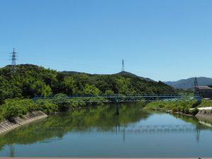 堀割橋から望む五十鈴川の上流側