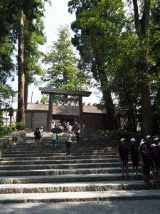 皇大神宮(内宮 正宮)、板垣の手前に屋乃波比伎神(皇大神宮 所管社)
