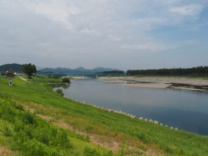 浅間堤から宮川の上流方向へ