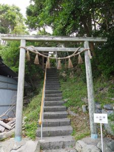 山の神への参道(鳥羽市国崎町)