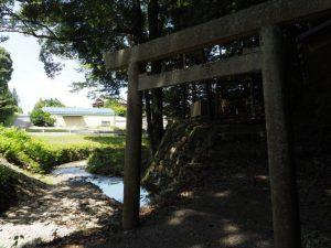 一宇田川と山之神社(伊勢市一宇田町)
