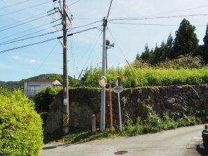 櫲樟尾神社舊蹟の石垣(伊勢市楠部町)