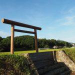 新たに建てられていた黒木鳥居、神宮神田(伊勢市楠部町)