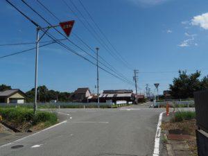 県道705号を右折して神宮カケチカラ発祥地へ