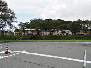 内宮B5駐車場から望む宇治山田神社の社叢(興玉森)