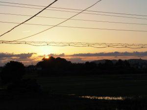 秋分の日には社叢から日が昇る河原神社(豊受大神宮 摂社)