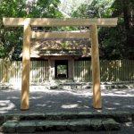 御塩殿では御塩焼固のための型作り、御塩殿神社(皇大神宮 所管社)