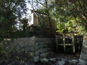鏡宮神社(皇大神宮 末社)と虎石